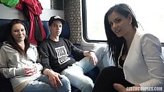 CzechCouples – public ve vlaku s kozatou Alex Black